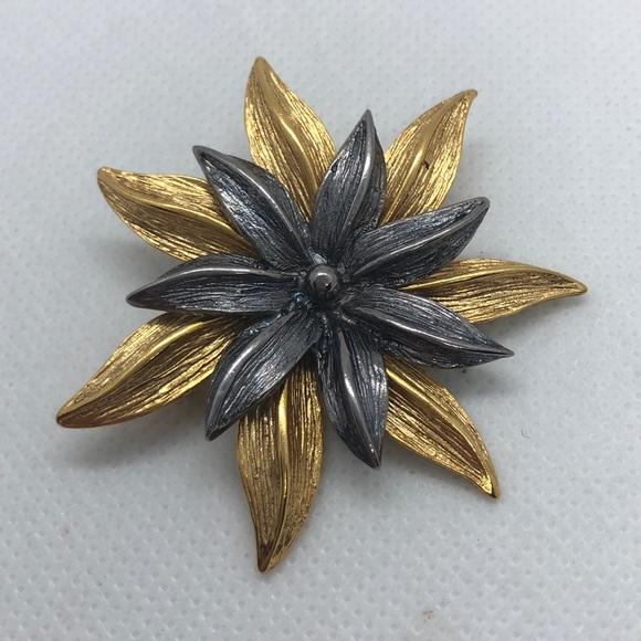 Mid Century Women Brooch Gold Tone Shell Brooch Vintage Monet Gold Tone Shell Brooch